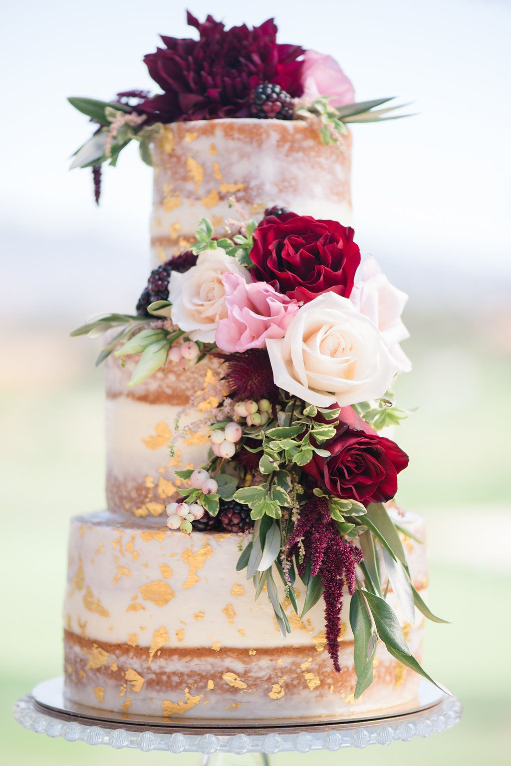 Heart-melting Vintage Wedding Cake Ideas to Love